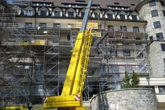 Entkernung des Westflügels vom Suvretta House in St. Moritz und Einbau einer 125 Tonnen schweren Stahlkonstruktion - Schrader Montage GmbH Beckum